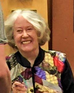 Harriet McDougal w 'płaszczu barda