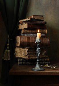 Książki ze świecą